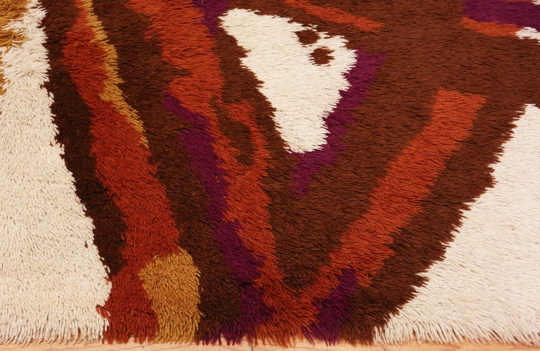 Mid-Century Modern Small Vintage Scandinavian Shag Rya Rug. Size: 4 ft 6 in x 6 ft 5 in For Sale