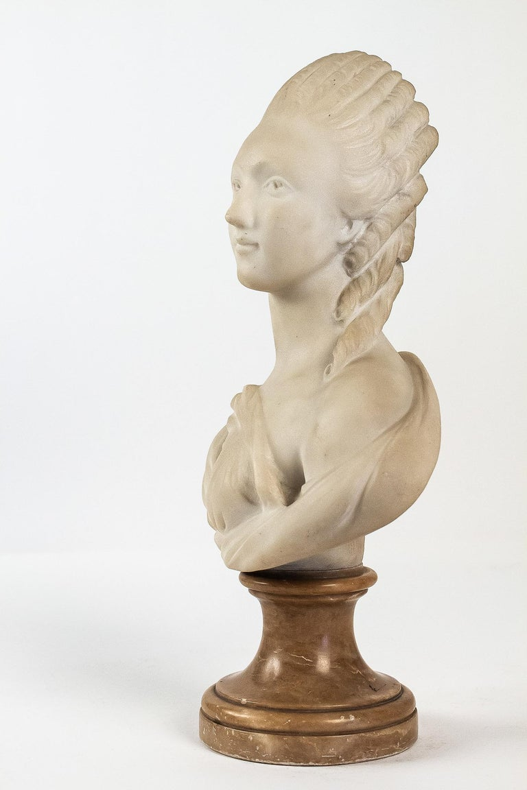 Small White Marble Bust of Countess du Barry, after Augustin Pajou For Sale 1