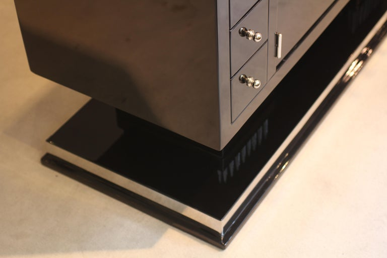 Small Art Deco Sideboard with Drawers, Black Piano Lacquer, France, circa 1930 For Sale 6