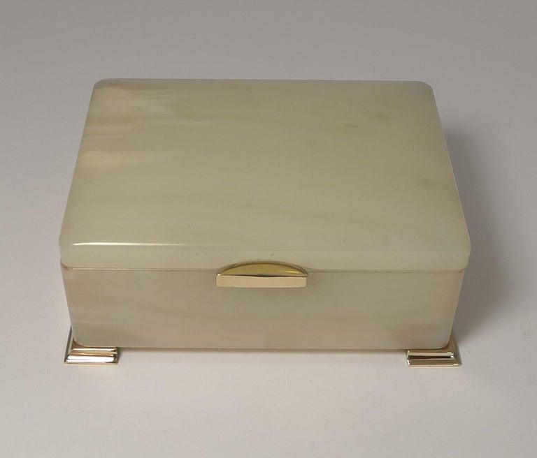 Smart Antique Art Deco White Onyx Box by Betjemman, circa 1920 6