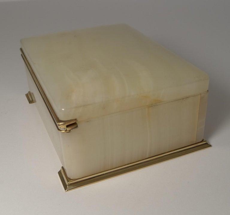 Early 20th Century Smart Antique Art Deco White Onyx Box by Betjemman, circa 1920