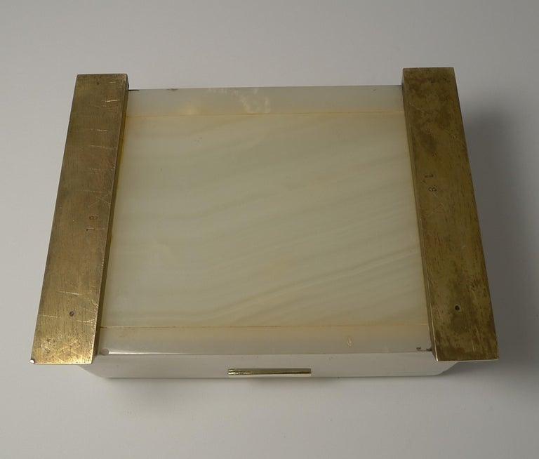 Smart Antique Art Deco White Onyx Box by Betjemman, circa 1920 1