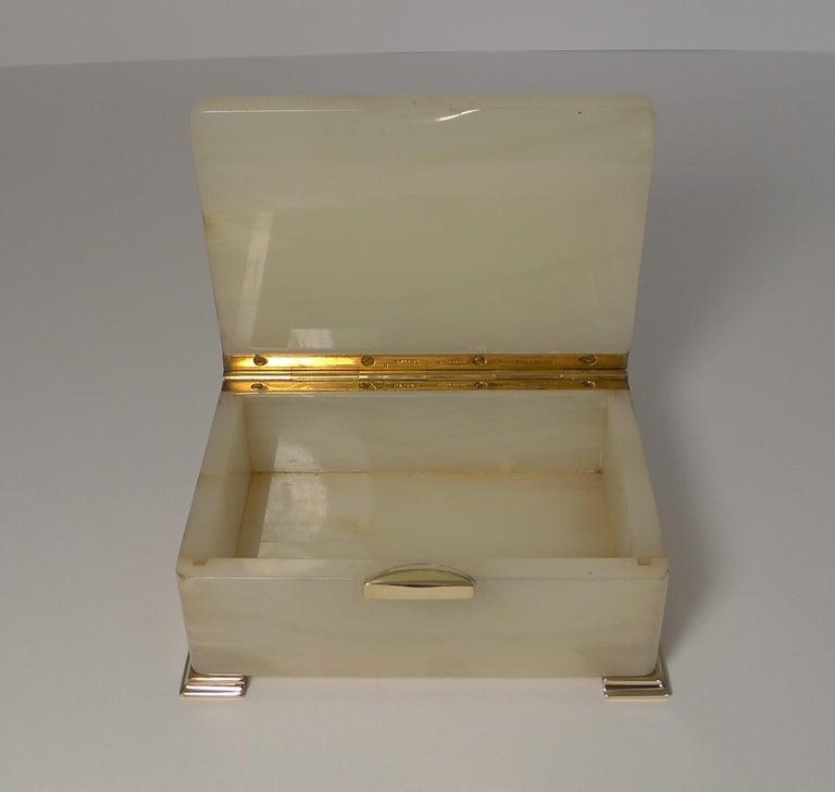 Smart Antique Art Deco White Onyx Box by Betjemman, circa 1920 2