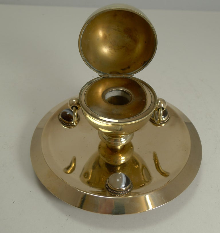 Late 19th Century Smart Antique English Polished Brass and Bronze Inkwell, Agate Mounts circa 1880 For Sale