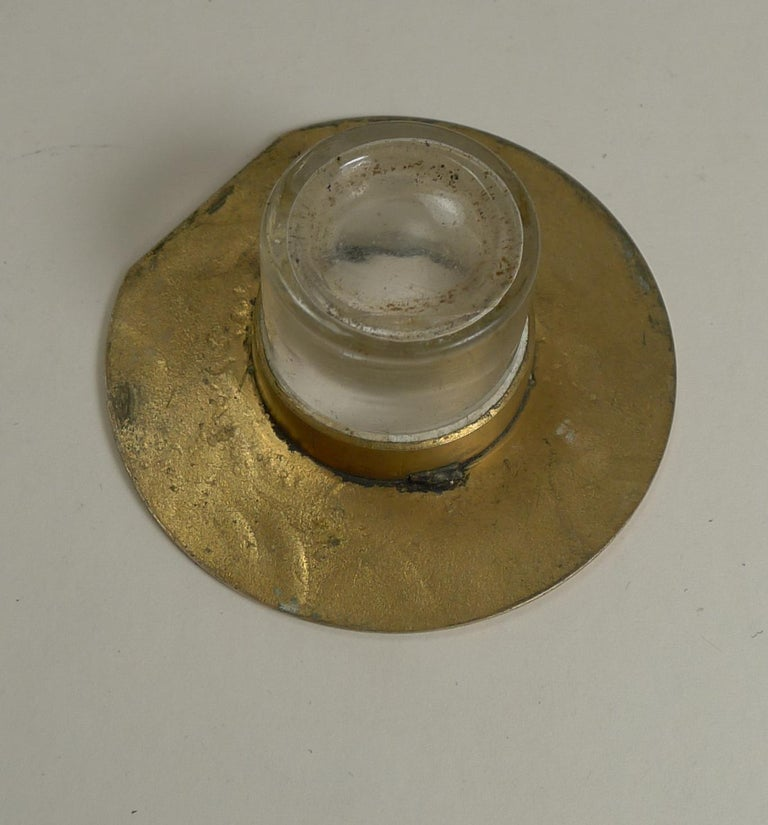 Smart Antique English Polished Brass and Bronze Inkwell, Agate Mounts circa 1880 For Sale 1