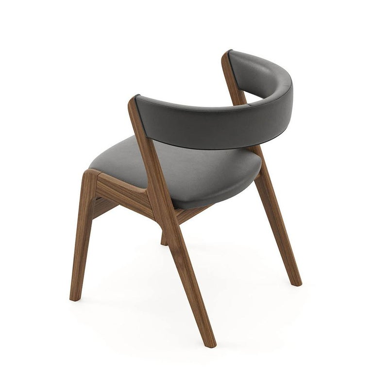 Smart Walnut Chair with Black Genuine Leather In New Condition For Sale In Paris, FR