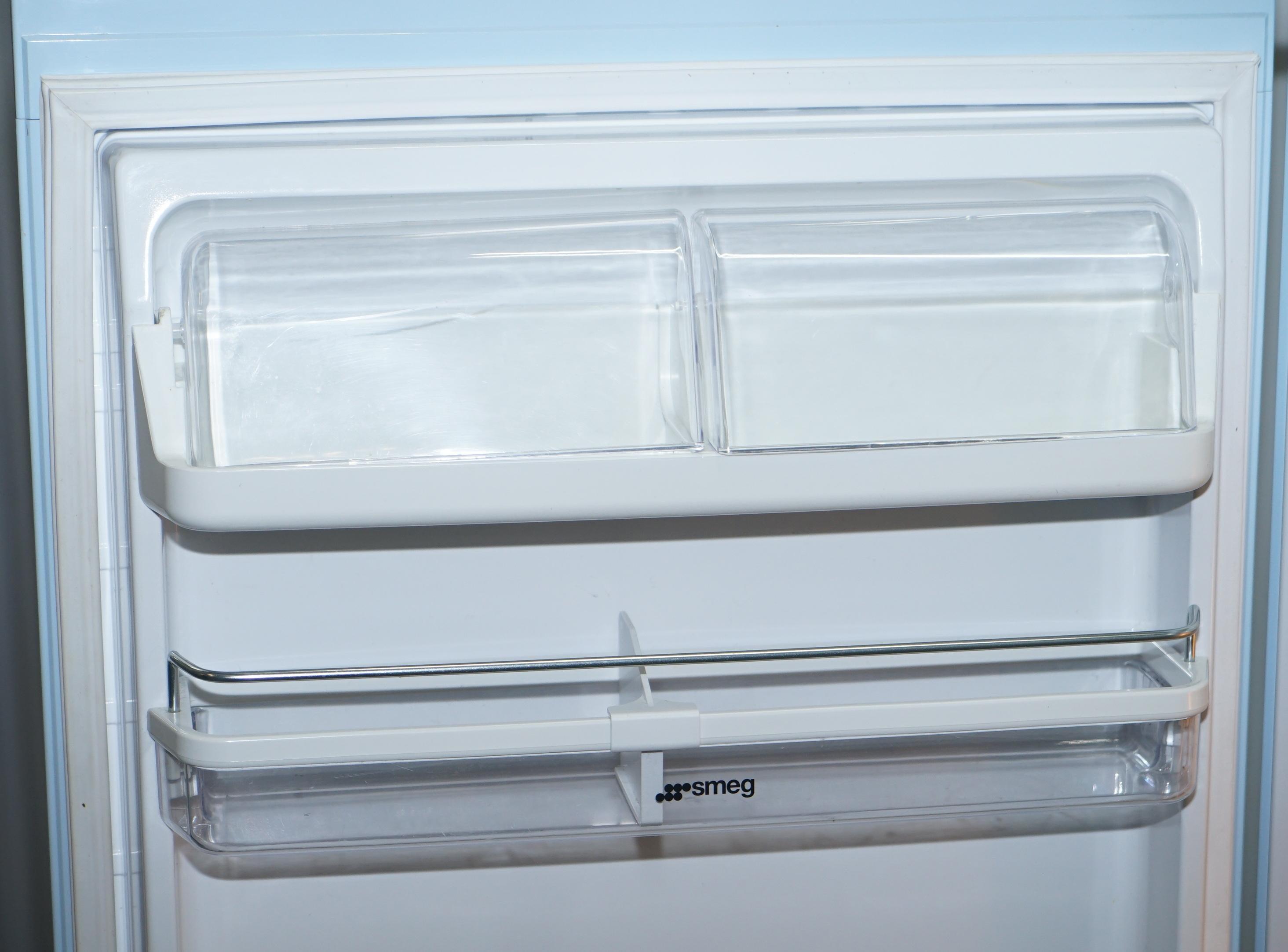 Smeg Kühlschrank Sale : Smeg pastellblauer fab 28l kühlschrank mit gefrierfach klassisch