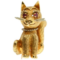Smiling Cat Gold Brooch