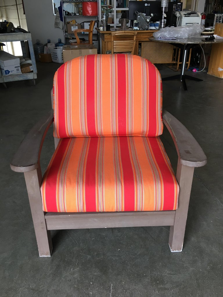 Smith and Hawken Large Patio Lounge Chair, Pair In Good Condition For Sale In Van Nuys, CA