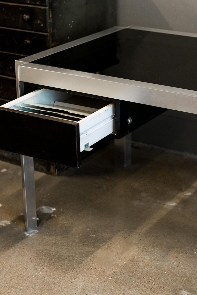 George's Frydman Smoked Glass and Aluminum Executive Desk, France, 1970s For Sale 3