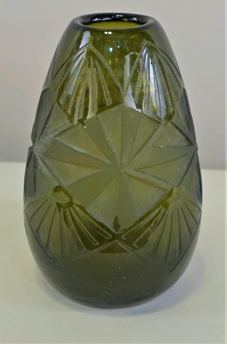 Mid-20th Century Smoked Green Art Deco Glass Vase by Legras For Sale