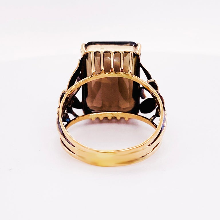 Smokey Quartz Antique 14 Karat Gold Ring, 10 Carat Emerald Cut, Brazilian Quartz In Excellent Condition For Sale In Austin, TX