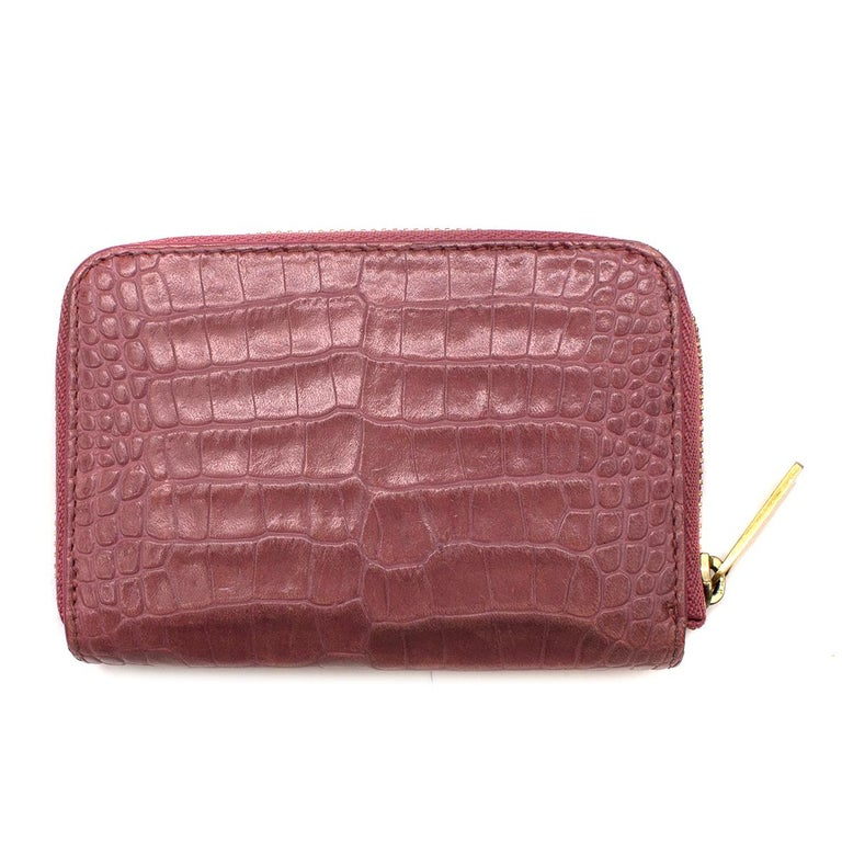 Smythson Pink Alligator Leather Wilde Zip Coin Purse  - Pink, coin purse in exotic alligator skin - Zip fastening - Gold-tone hardware - Soft lambskin interior - Two card pockets  Please note, these items are pre-owned and may show some signs of