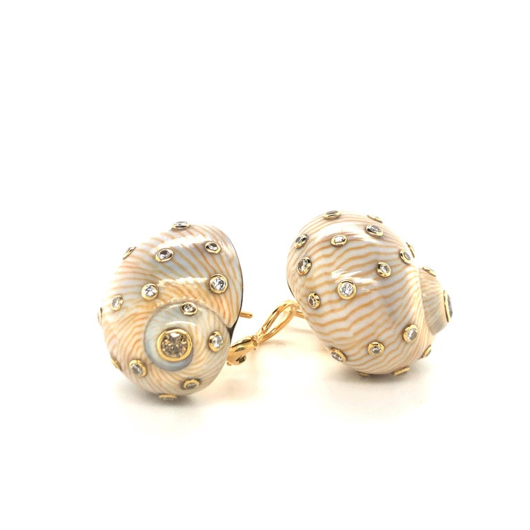 Brilliant Cut Snail Shell Earrings with Diamonds in Yellow Gold 18 Karat For Sale