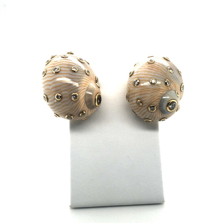 Snail Shell Earrings with Diamonds in Yellow Gold 18 Karat For Sale 1
