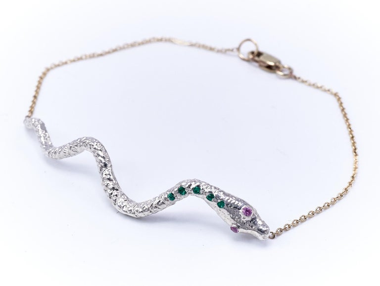 Emerald Pink Sapphire White Gold Snake Pendant Gold Chain Bracelet  In New Condition For Sale In Los Angeles, CA