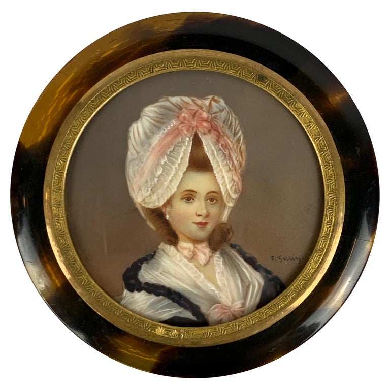 Miniature Portrait of a Lady on a Round Snuff Box-England, 19th c. For Sale