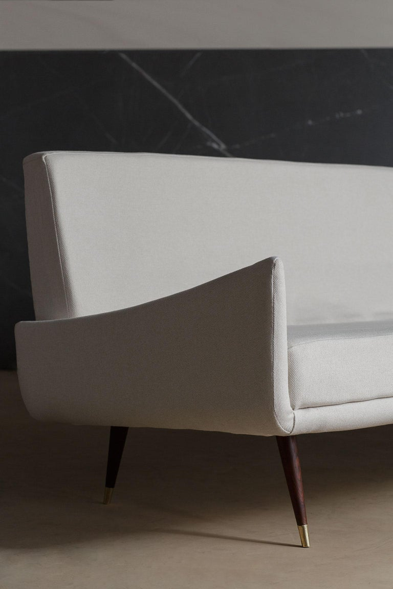 Jorge Zalszupin designed the