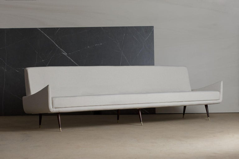 Mid-Century Modern 'So 801' 4 Seat Rosewood Sofa by Jorge Zalszupin, Brazil, 1960s For Sale
