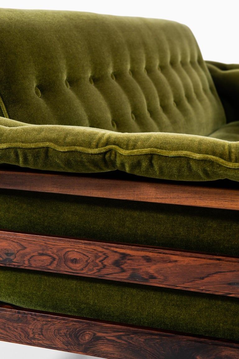 sofa attributed to percival lafer in rosewood and velvet fabric for sale at 1stdibs. Black Bedroom Furniture Sets. Home Design Ideas