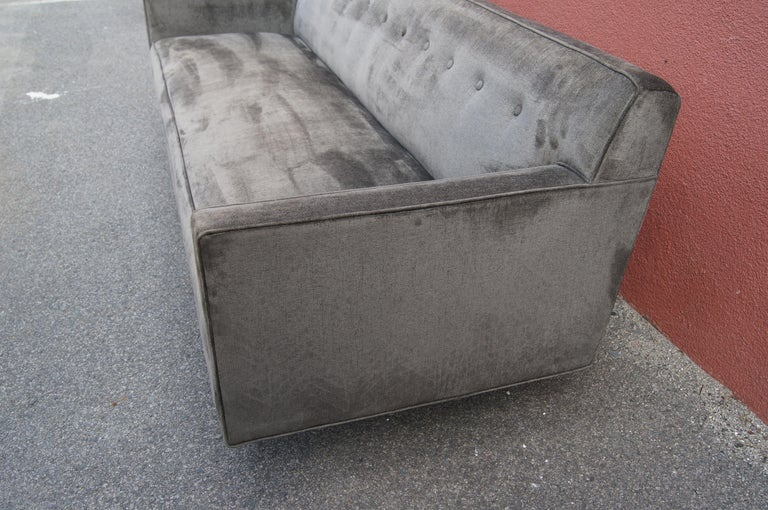 Sofa by Edward Wormley for Dunbar In Excellent Condition For Sale In Boston, MA