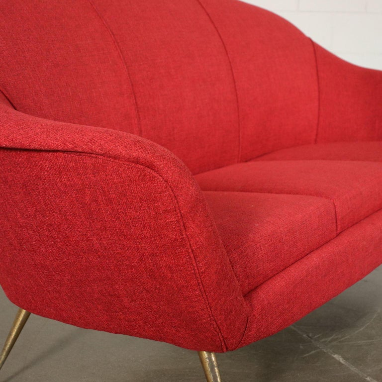 Sofa Foam Fabric Brass Plated Metal, Italy, 1950s 1960s In Excellent Condition For Sale In Milano, IT