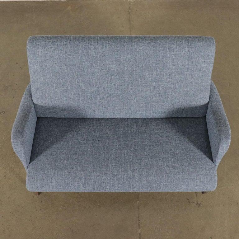Sofa Foam Metallic Enameled Fabric Italy 1960s Italian Production For Sale 4