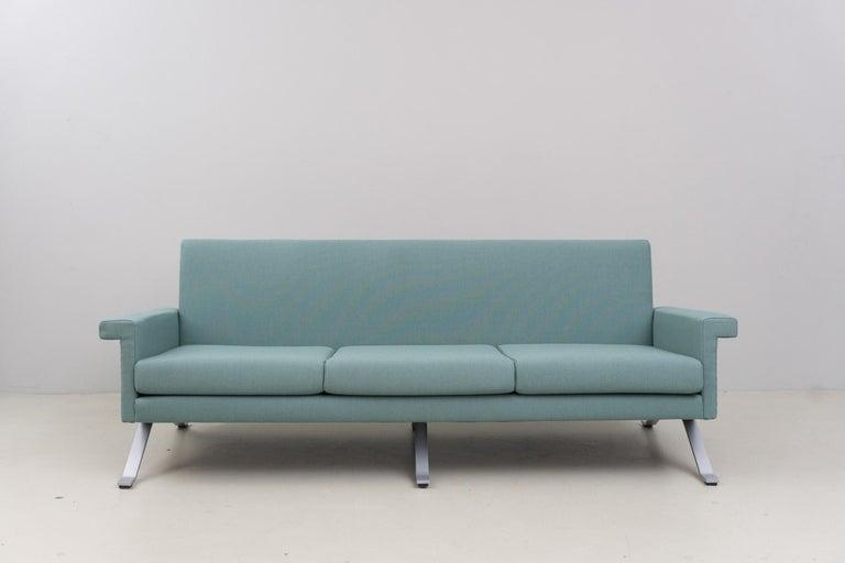 Modern Sofa in Grey-Green, Model '875', Ico Parisi, 1960 For Sale