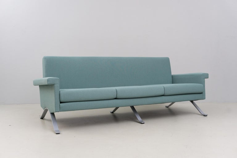 Italian Sofa in Grey-Green, Model '875', Ico Parisi, 1960 For Sale