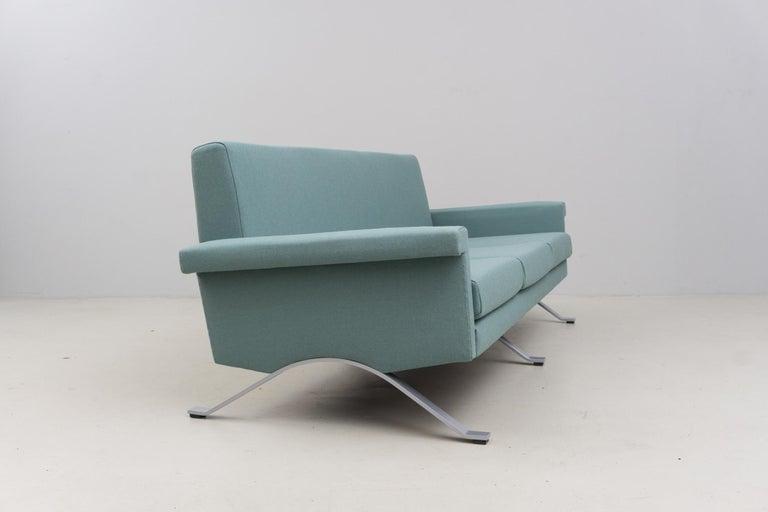 Sofa in Grey-Green, Model '875', Ico Parisi, 1960 In Excellent Condition For Sale In Berlin, DE