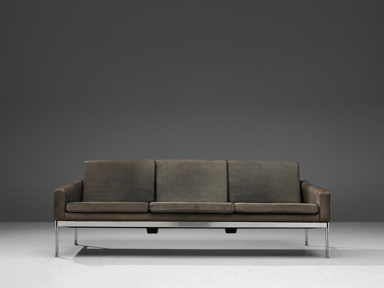Sofa in Grey Leather and Chrome In Good Condition For Sale In Waalwijk, NL