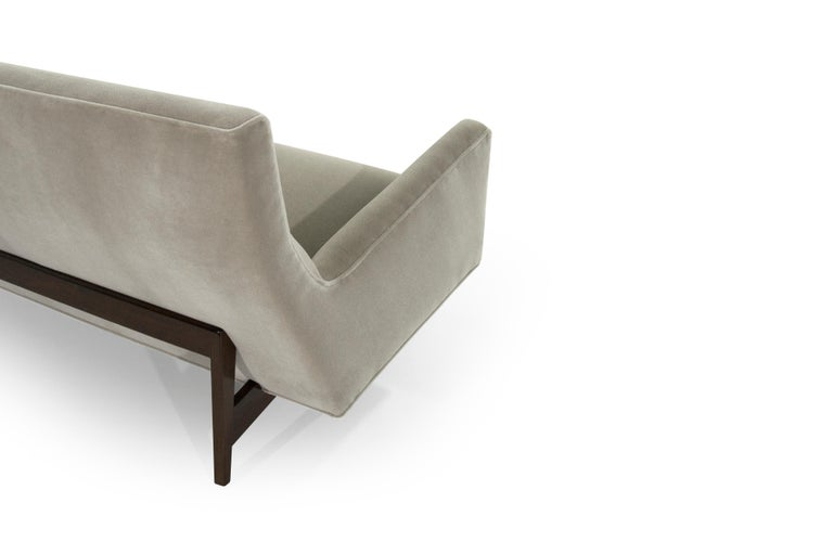 Sofa in Natural Mohair by Jens Risom, Model U-150 For Sale 4