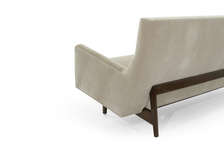 Sofa in Natural Mohair by Jens Risom, Model U-150 For Sale 2