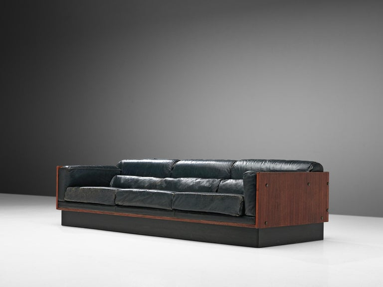Mid-Century Modern Sofa in Rosewood and Leather For Sale