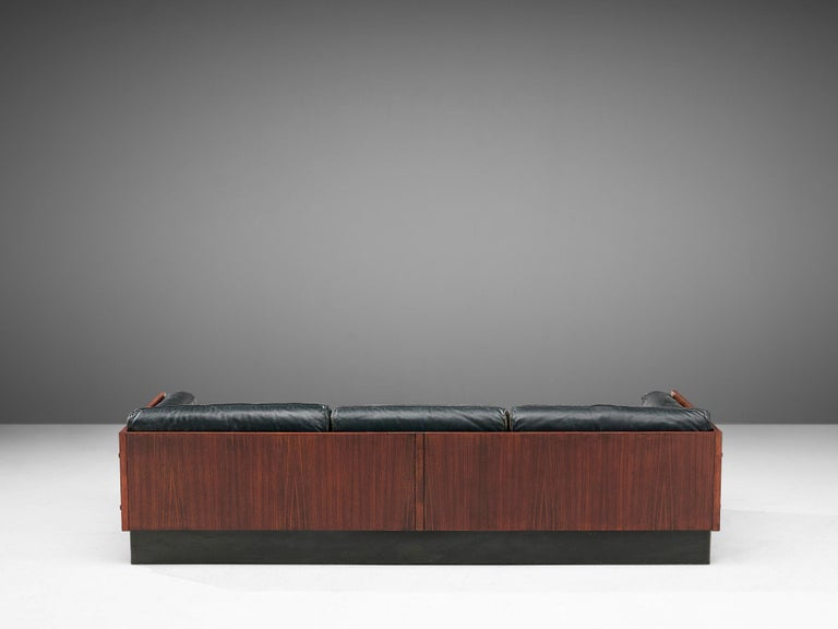 Sofa in Rosewood and Leather In Good Condition For Sale In Waalwijk, NL
