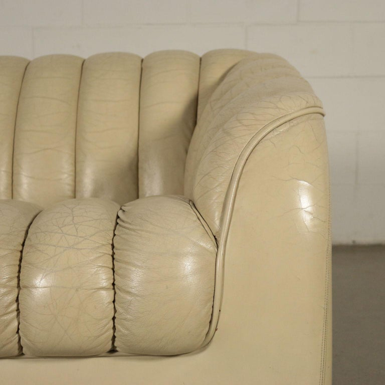 Sofa Leatherette Foam, Italy, 1960s-1970s In Good Condition For Sale In Milano, IT