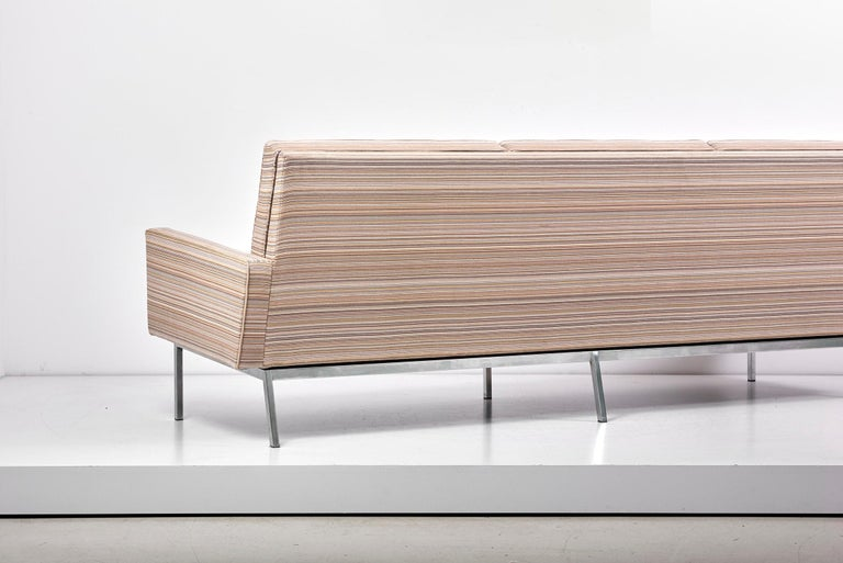 67A Sofa by Florence Knoll for Knoll International  For Sale 8