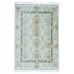 Soft Colors Silken Esfahan 400 Kpsi Hand Knotted Oriental Rug