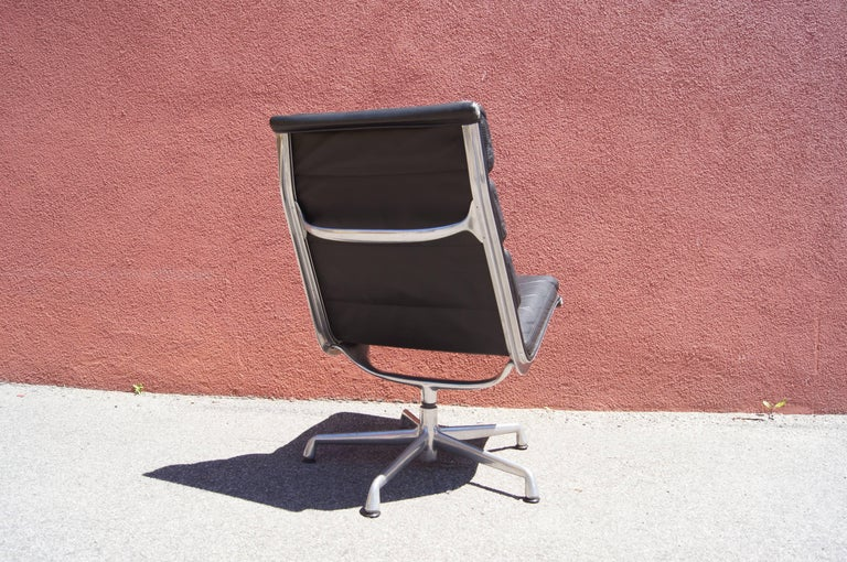 Mid-Century Modern Soft Pad Armless Executive Chair by Charles and Ray Eames for Herman Miller For Sale