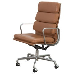 Soft Pad Executive Swivel Chair in Caramel Leather