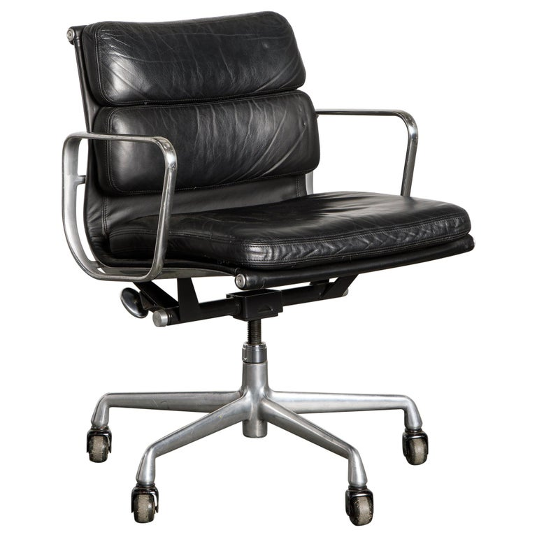 Soft Pad Management Chair by Charles Eames for Herman Miller, Signed & Dated For Sale
