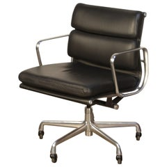 Soft Pad Management Chairs by Charles Eames for Herman Miller, 2006 Near Mint