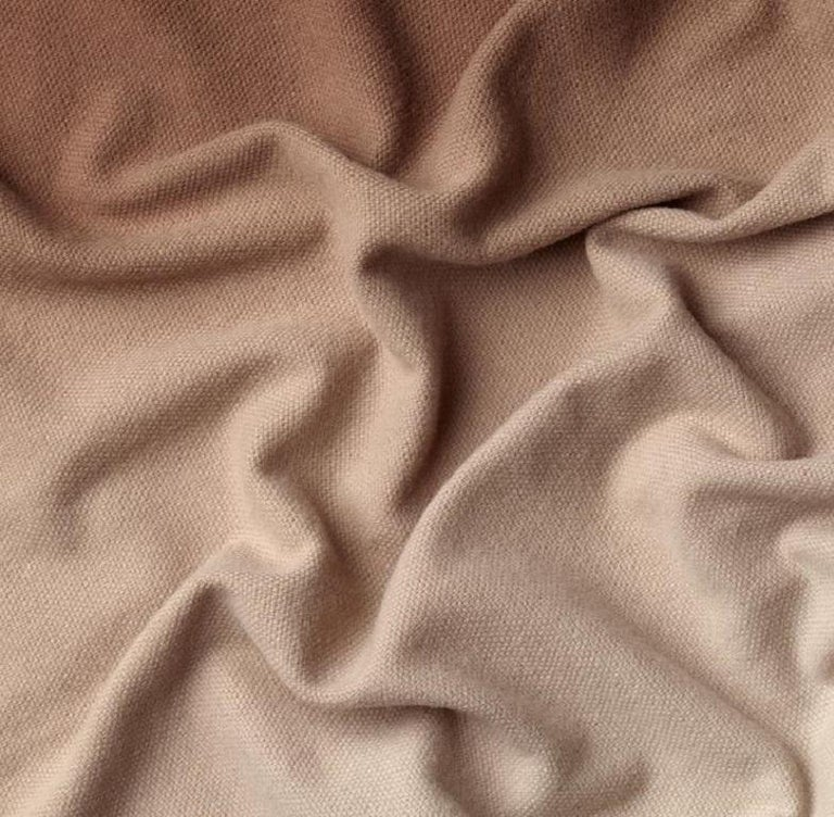 This ultra light imperceptible yarn is the result of a careful selection of the most precious Australian merino wool fibre on the market.