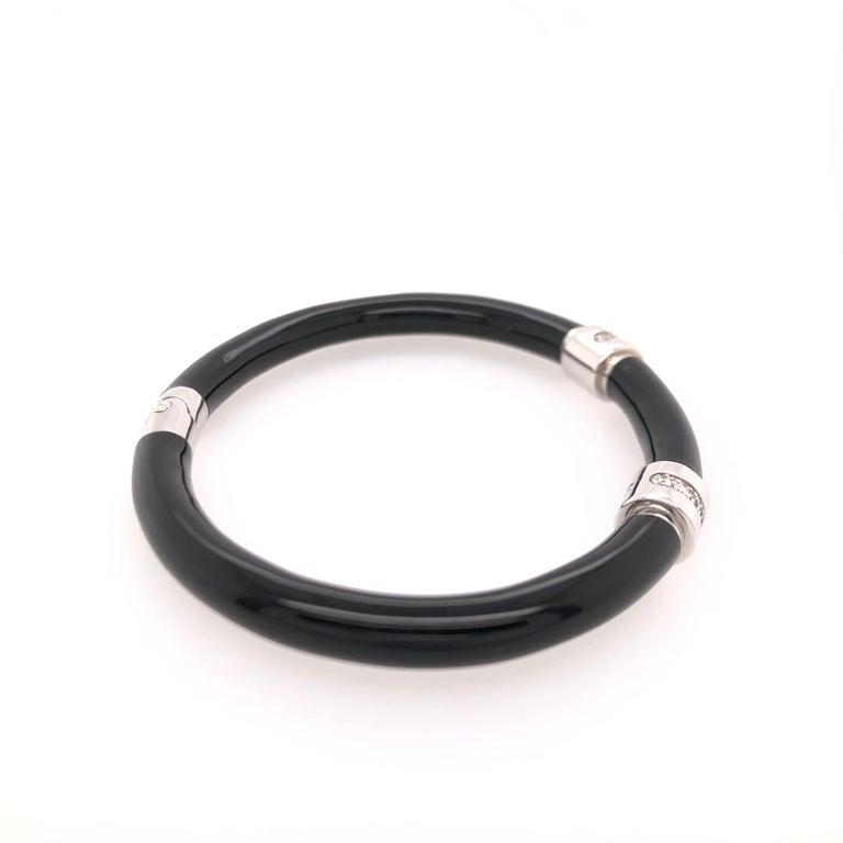 Round Cut Soho Black Enamel Bangle Bracelet with Diamonds For Sale