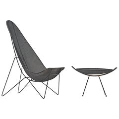 Sol Bloom Grand Patio Scoop Chair and Table