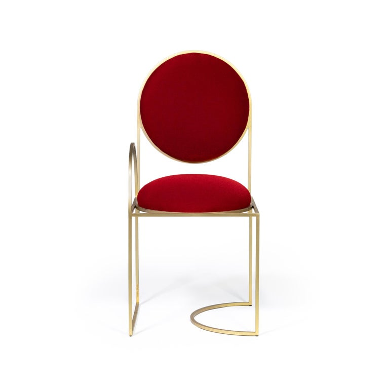 The Solar chair has an minimal asymmetric frame and its reflecting circles suggest the rising and setting of the sun, inspired by Art Deco. It is constructed from playful lines that incorporates circles, half circles and squares. Constructed from