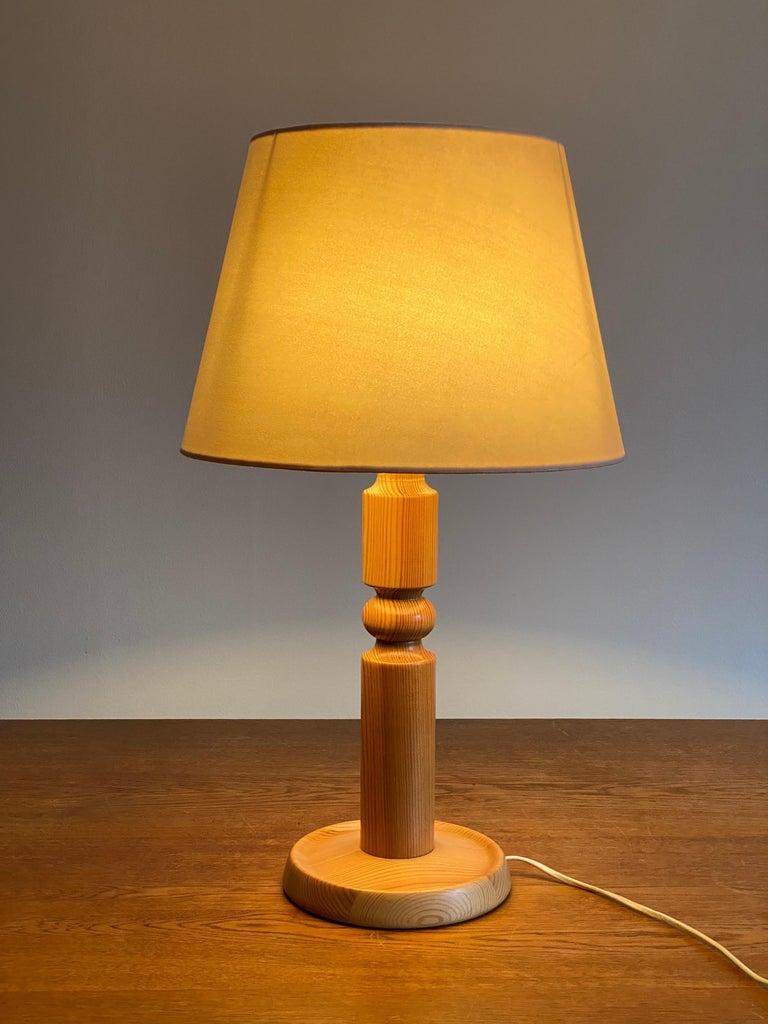 Swedish Solbackens Svarveri, Minimalist Table Lamp, Solid Turned Pine, Sweden, 1970s For Sale