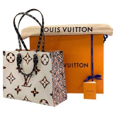 Sold Out Louis Vuitton Fall 2019 Jungle ONTHEGO Monogram Giant Canvas Tote Bag