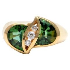 Solid 14 Karat Gold Genuine Green Tourmaline and Natural Diamond Ring 5.9g