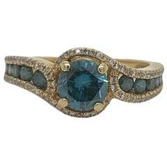 Solid 14 Karat Yellow Gold Blue Diamond and White Diamond Ring 3.6g